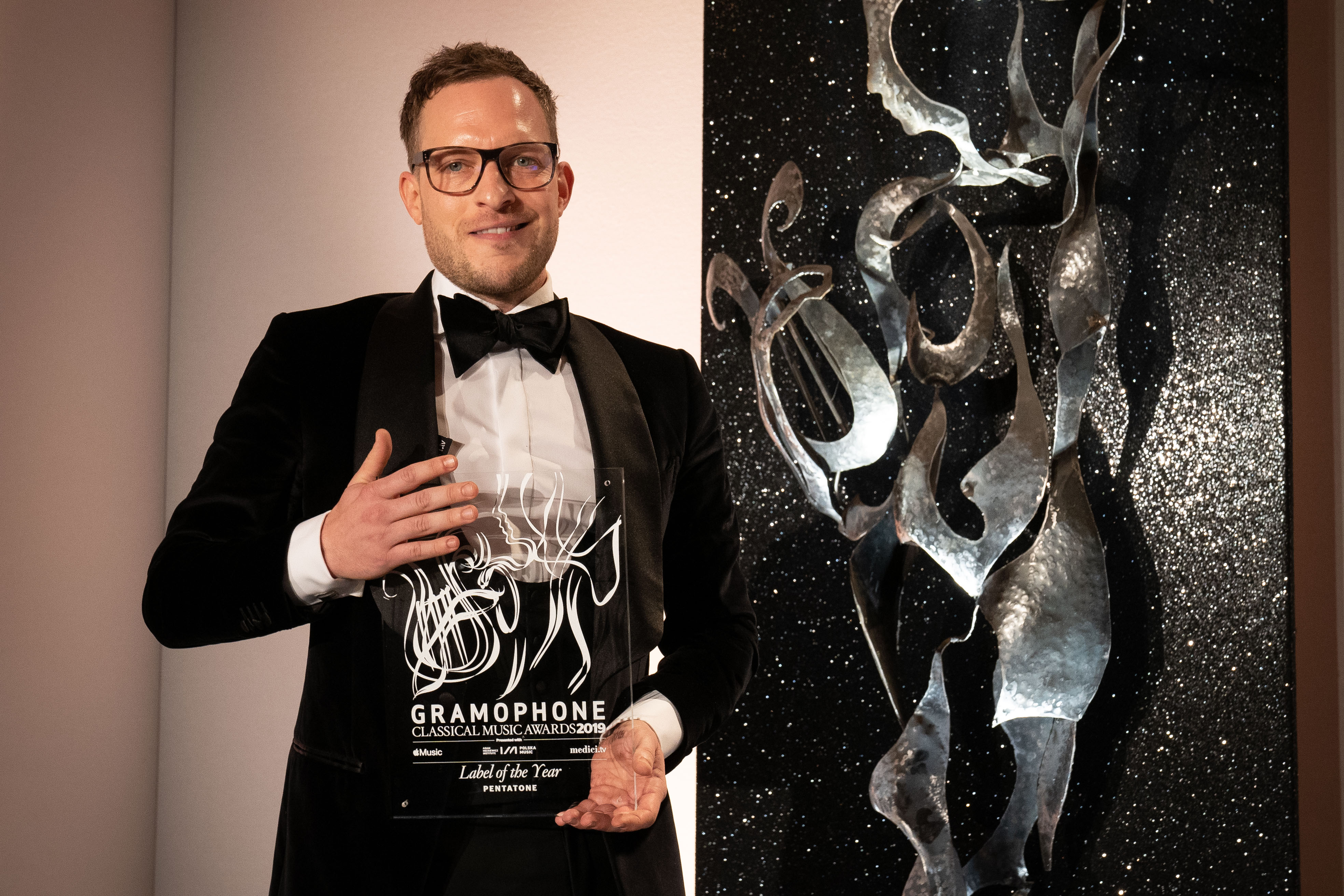 Pentatone's Managing Director, Simon Eder, collects the Label of the Year Award